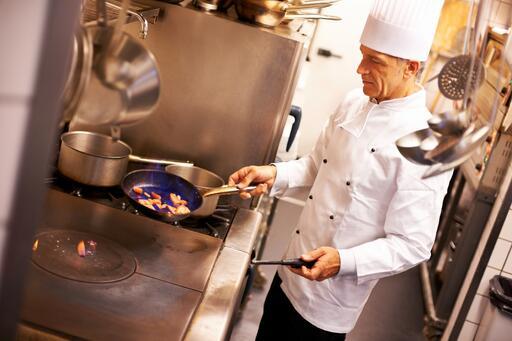 Chef in Kitchen02F69185KitchenSuppressionImage